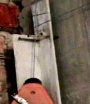 Укладка плитки на стену по мобильным маякам.